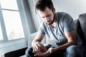 معاناة مريض الإدمان
